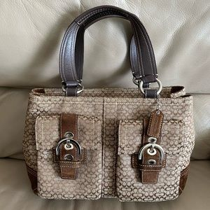 Authentic Coach Purse!! Size-Medium